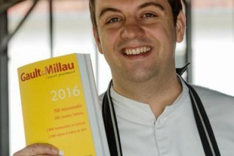 Le Français Alexandre Gauthier Sacré Cuisinier de l'Année par le Guide Gault et Millau