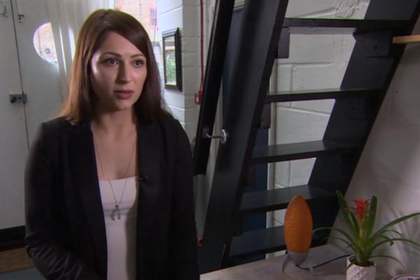 Londres : une réceptionniste licenciée parce qu'elle refuse de porter des talons
