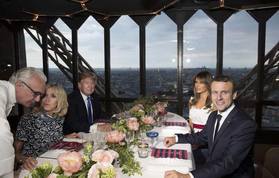 Macron et Trump n'ont pas dîné pour 82 000 euros à la Tour Eiffel