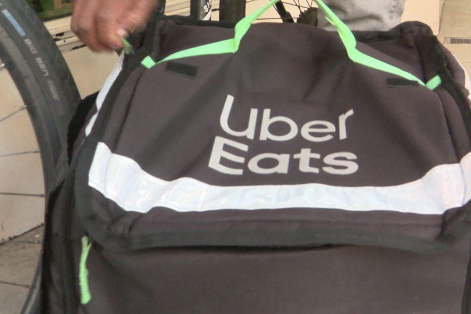 """""""La bataille est gagnée"""" : à Genève les 500 livreurs d'Uber Eats sont désormais salariés"""