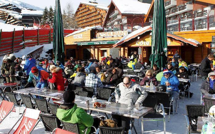 Les stations de ski invitées à embaucher des saisonniers, quitte à les mettre en chômage partiel
