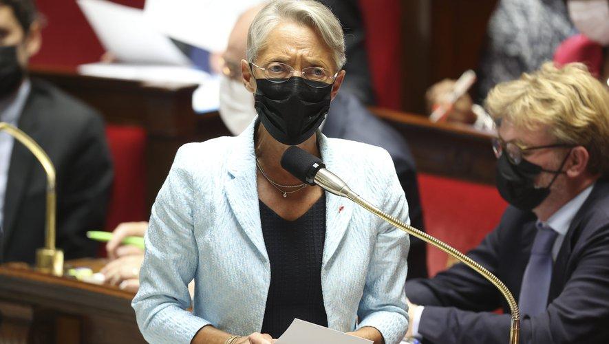 """Elisabeth Borne invite au dialogue Employeur / salarié pour """"tout faire pour le convaincre de se faire vacciner"""""""