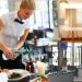 Hôtellerie-restauration : trois graphiques pour comprendre pourquoi la main-d'œuvre manque tant